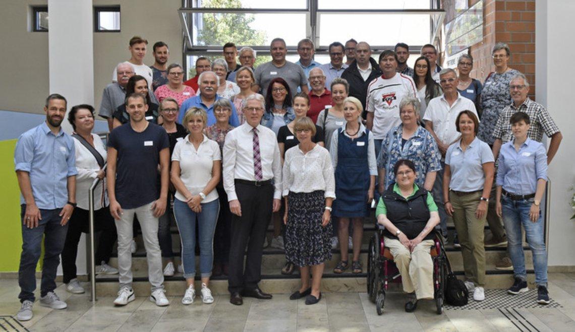 Gruppenbild der Teilnehmenden des Runden Tischs